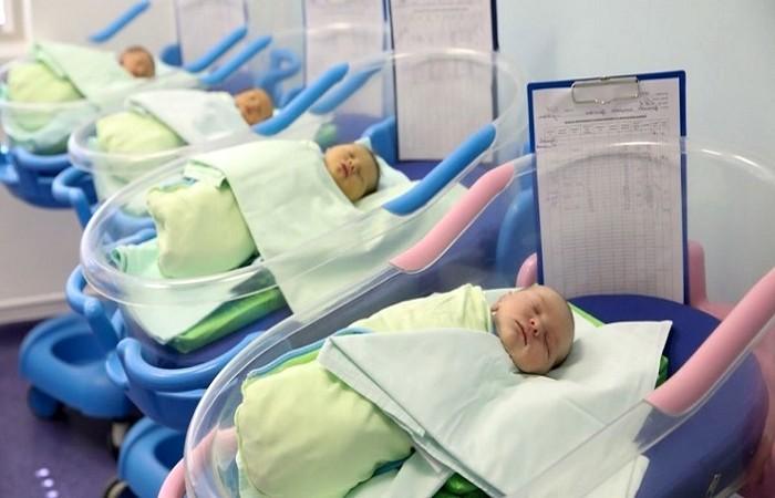 সন্তান জন্ম দিলেই সাড়ে ৬ লাখ টাকা পুরস্কার!
