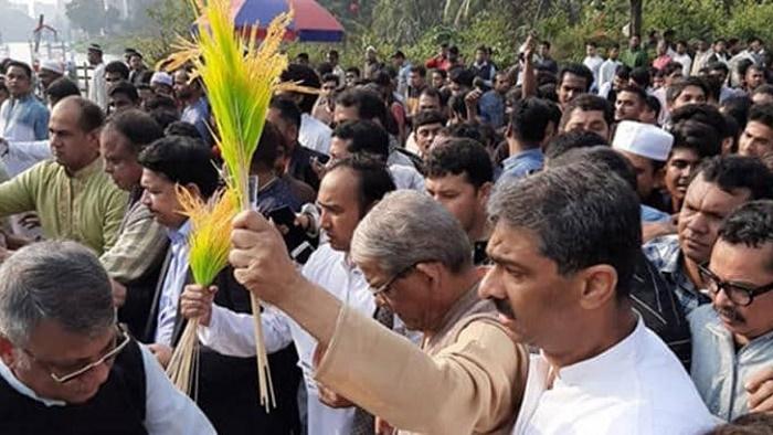 খালেদা জিয়াকে মুক্ত করতে তাবিথকে ভোট দিন: মির্জা ফখরুল