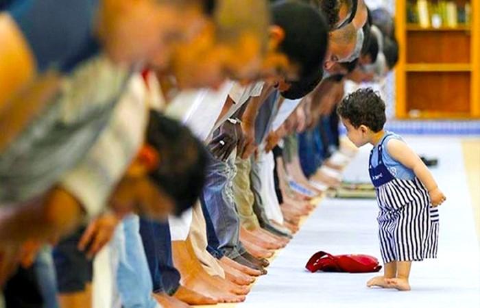 শিশুদের মসজিদে আসতে বাধা নয় দিয়ে উৎসাহ দিন
