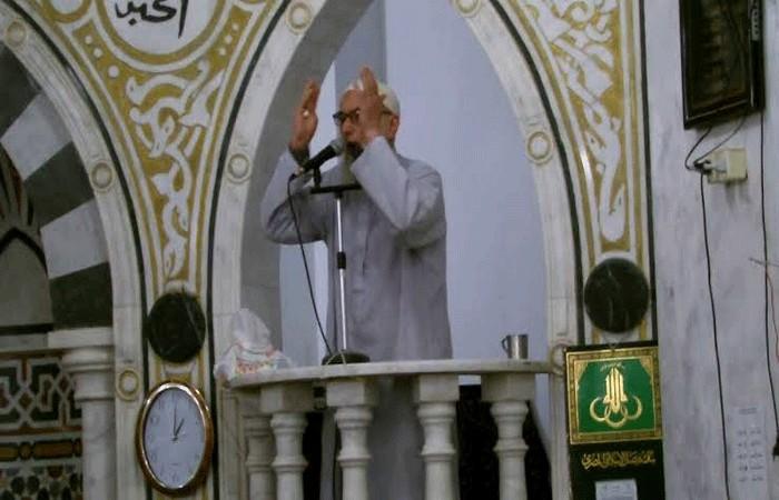 খোতবায় কালেমা পড়তে পড়তে ইমামের ইন্তেকাল, ভিডিওসহ