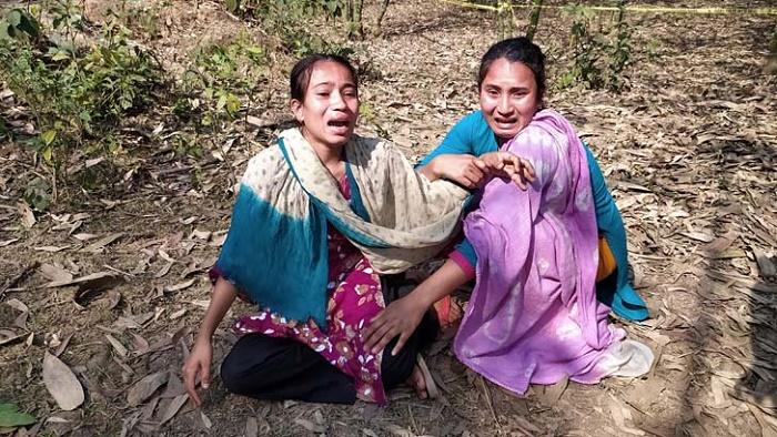 ঘরে ঘুমিয়ে থাকা নারীর গলাকা'টা লা'শ মিলল বাঁশঝাড়ে!
