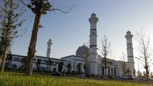 মধ্য এশিয়ার সবচেয়ে বড় মসজিদের উদ্বোধন পেছানো হল