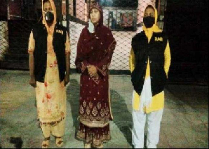 ভাড়াটিয়াকে বের করে দিয়ে গ্রে'প্তা'র হলেন বাড়িওয়ালা শম্পা