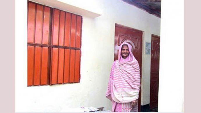 বাঘার ১৯ পরিবার ঈদ করবে 'প্রধানমন্ত্রীর দেয়া পাকা বাড়িতে'