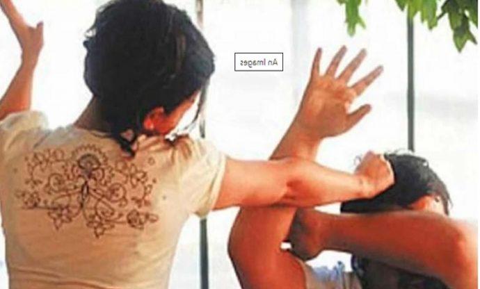 আলুর তরকারি খেতে খায়নি বলে স্বামীকে পি'টি'য়ে হাসপাতালে পাঠাল স্ত্রী!