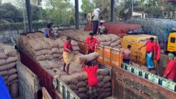 আ'টকে পড়া পেঁয়াজ রপ্তানির অনুমতি দিয়েছে ভারত