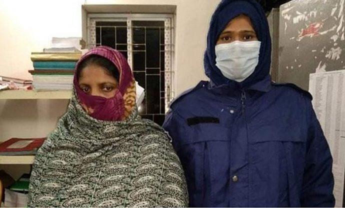 ভাগ্নির না'ভি ও যৌ'না'ঙ্গে গ'রম খু'ন্তির ছ্যাঁ'কা, মামি গ্রে'প্তা'র