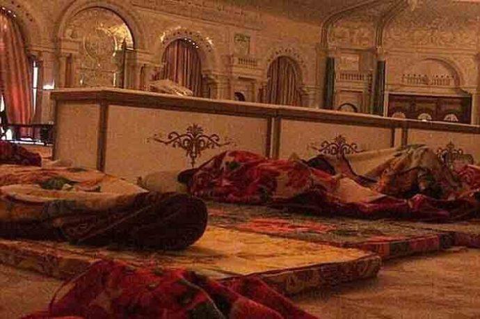 সৌদিতে দু'র্নী'তি'বি'রো'ধী অভিযা'নে রাতভ'র পে'টা'নো হতো অভিযু'ক্ত যুবরাজদের