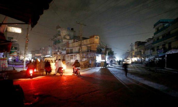 পাকিস্তান অন্ধকারে, চরম বিদ্যুৎ বিভ্রাট
