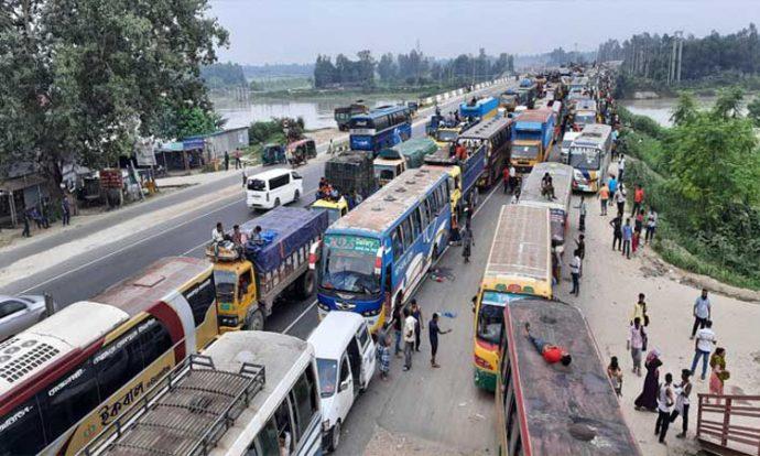 ঢাকা-টাঙ্গাইল মহাসড়কে ২০ কিলোমিটার যানজট