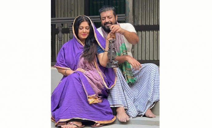 মৌসুমী-ওমর সানী নতুন চলচ্চিত্রে, হারিকেন হাতে ছবি প্রকাশ