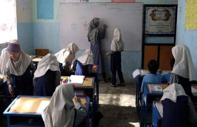 আফগানিস্তানে ক্লাসে ফিরল প্রাথমিকের ছাত্রীরা, উৎকণ্ঠায় মাধ্যমিকের মেয়েরা