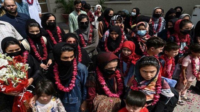 আফগান নারী ফুটবলাররা পাকিস্তানে পালিয়ে গেছেন