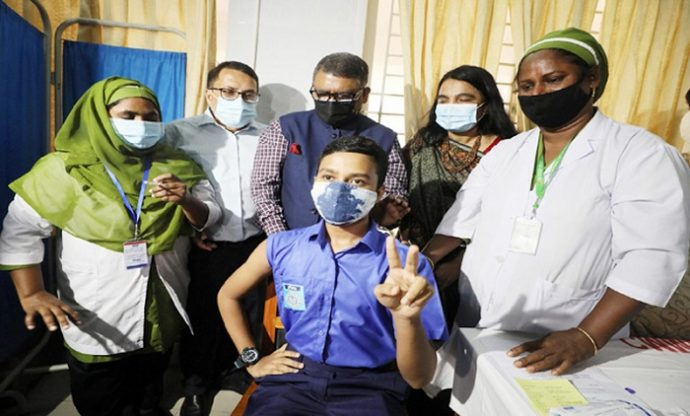 টিকার আওতায় আনবো এক কোটি শিক্ষার্থীদের : স্বাস্থ্যমন্ত্রী