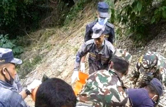 বাস খাদে পড়ে নেপালে ২৮ জন নিহত